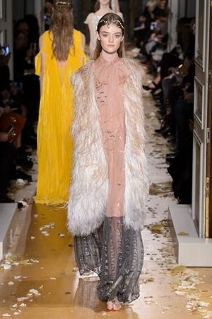 Показ Valentino коллекции сезона Весна-лето  2016 года Haute couture - www.elle.ru - Подиум - фото 603096