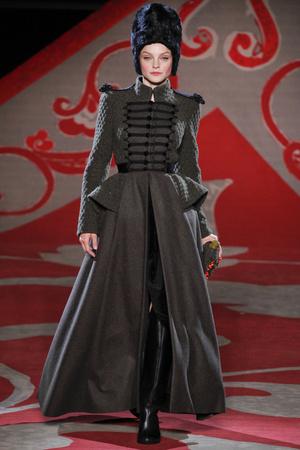 Показ Ulyana Sergeenko коллекции сезона Осень-зима 2012-2013 года haute couture - www.elle.ru - Подиум - фото 404220