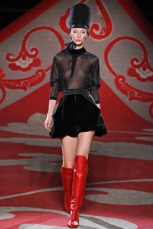 Показ Ulyana Sergeenko коллекции сезона Осень-зима 2012-2013 года haute couture - www.elle.ru - Подиум - фото 404221