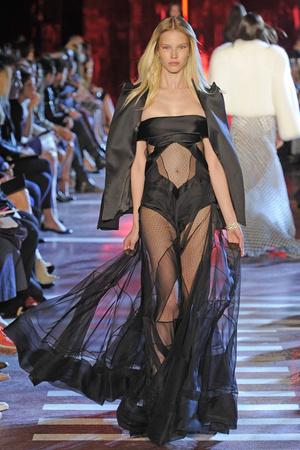 Показ Alexandre Vauthier коллекции сезона Осень-зима 2014-2015 года Haute couture - www.elle.ru - Подиум - фото 585214
