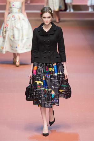 Показ Dolce & Gabbana коллекции сезона Осень-зима 2015-2016 года Prêt-à-porter - www.elle.ru - Подиум - фото 594882