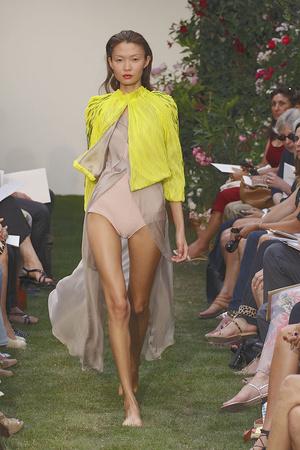 Показ Maison Rabih коллекции сезона Осень-зима 2010-2011 года haute couture - www.elle.ru - Подиум - фото 168201