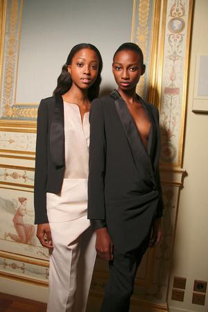 Показ Anne Valerie Hash коллекции сезона Осень-зима 2011-2012 года Haute couture - www.elle.ru - Подиум - фото 277129