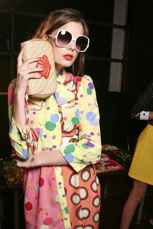Показ Moschino Cheap & Chic коллекции сезона Весна-лето 2011 года Prêt-à-porter - www.elle.ru - Подиум - фото 184227