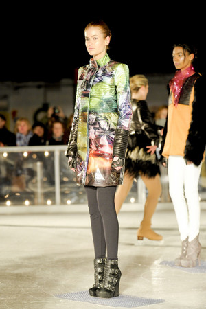 Показ Elise Overland коллекции сезона Осень-зима 2011-2012 года Prêt-à-porter - www.elle.ru - Подиум - фото 226782