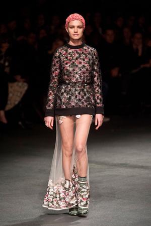 Показ Givenchy коллекции сезона Осень-зима 2013-2014 года Prêt-à-porter - www.elle.ru - Подиум - фото 543173