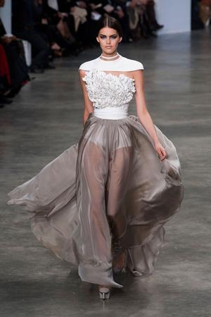 Показ Stephane Rolland коллекции сезона Весна-лето 2013 года haute couture - www.elle.ru - Подиум - фото 479759
