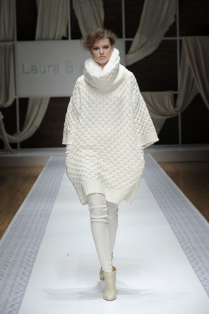 Показ Laura Biagiotti коллекции сезона Осень-зима 2010-2011 года prêt-à-porter - www.elle.ru - Подиум - фото 153281