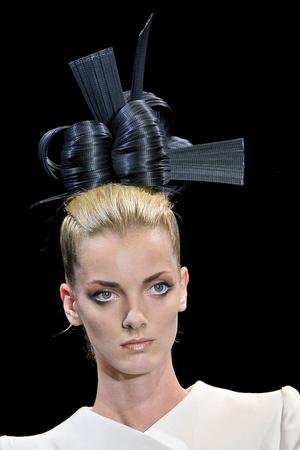 Показ Giorgio Armani Privé коллекции сезона Осень-зима 2011-2012 года haute couture - www.elle.ru - Подиум - фото 277715