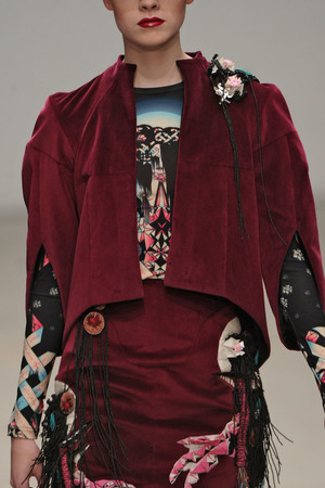 Показ Manish Arora коллекции сезона Осень-зима 2011-2012 года prêt-à-porter - www.elle.ru - Подиум - фото 250376