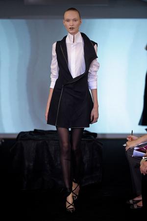 Показ Atelier Gustavo Lins коллекции сезона Осень-зима 2011-2012 года haute couture - www.elle.ru - Подиум - фото 278126