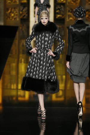 Показ Christian Dior коллекции сезона Осень-зима 2009-2010 года Prêt-à-porter - www.elle.ru - Подиум - фото 97667