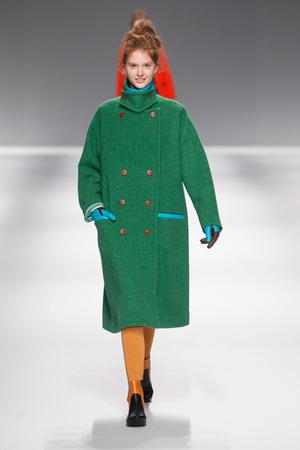 Показ Issey Miyake коллекции сезона Осень-зима 2013-2014 года Prêt-à-porter - www.elle.ru - Подиум - фото 537028