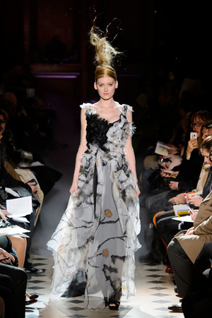 Показ Franc Sorbier коллекции сезона Весна-лето 2015 года haute couture - www.elle.ru - Подиум - фото 593399