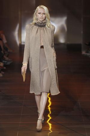 Показ Giorgio Armani Privé коллекции сезона Осень-зима 2010-2011 года haute couture - www.elle.ru - Подиум - фото 167640