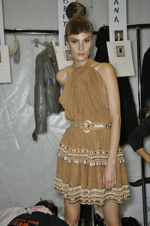 Показ Christian Dior коллекции сезона Весна-лето 2009 года Prêt-à-porter - www.elle.ru - Подиум - фото 84499