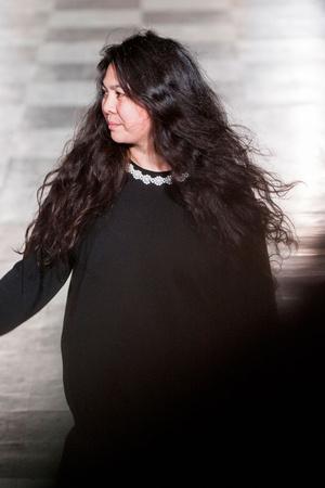 Показ Simone Rocha коллекции сезона Весна-лето 2015 года prêt-à-porter - www.elle.ru - Подиум - фото 588483
