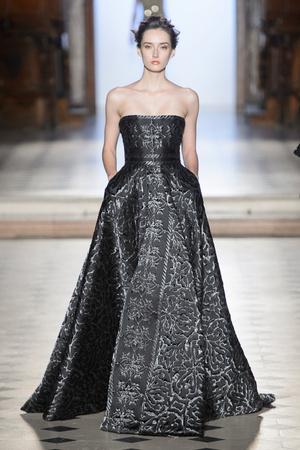 Показ Tony Ward коллекции сезона Весна-лето  2017 года Haute couture - www.elle.ru - Подиум - фото 616393