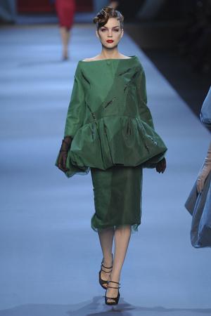 Показ Christian Dior коллекции сезона Весна-лето 2011 года haute couture - www.elle.ru - Подиум - фото 214952