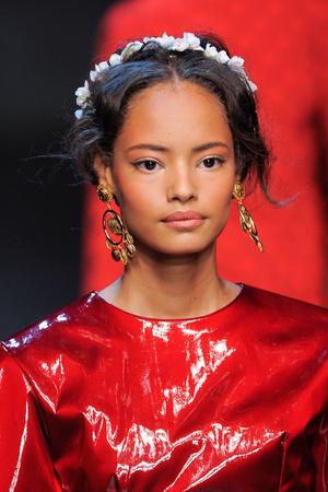 Показ Dolce & Gabbana коллекции сезона Весна-лето 2014 года prêt-à-porter - www.elle.ru - Подиум - фото 566310