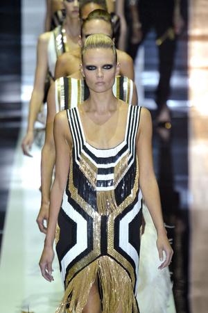 Показ Gucci коллекции сезона Весна-лето 2012 года Prêt-à-porter - www.elle.ru - Подиум - фото 301834