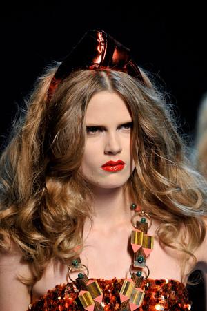 Показ Christian Dior коллекции сезона Осень-зима 2011-2012 года Haute couture - www.elle.ru - Подиум - фото 277538