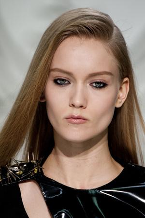Показ Versace коллекции сезона Осень-зима 2013-2014 года Prêt-à-porter - www.elle.ru - Подиум - фото 523231