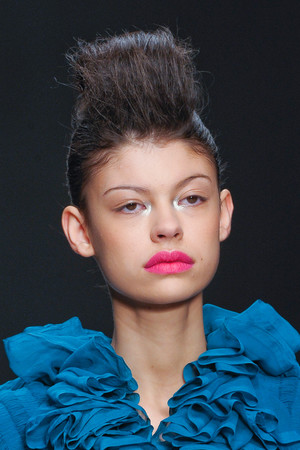 Показ Fashion Fringe коллекции сезона Весна-лето 2013 года prêt-à-porter - www.elle.ru - Подиум - фото 435585