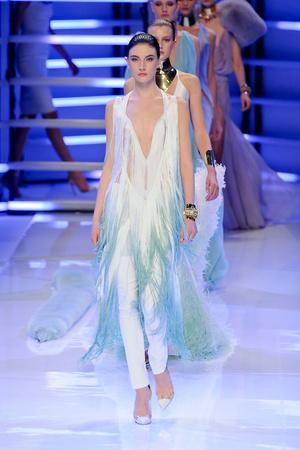 Показ Alexander Vauthier коллекции сезона Весна-лето 2012 года Haute couture - www.elle.ru - Подиум - фото 331903