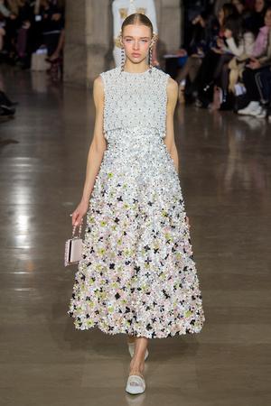Показ Georges Hobeika коллекции сезона Весна-лето  2017 года Haute couture - www.elle.ru - Подиум - фото 616313