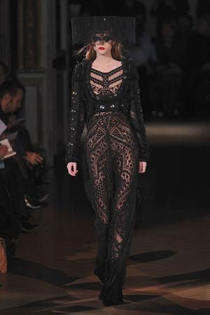 Показ Givenchy коллекции сезона Весна-лето 2010 года haute couture - www.elle.ru - Подиум - фото 138530