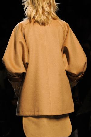 Показ Max Mara коллекции сезона Осень-зима 2013-2014 года prêt-à-porter - www.elle.ru - Подиум - фото 516481