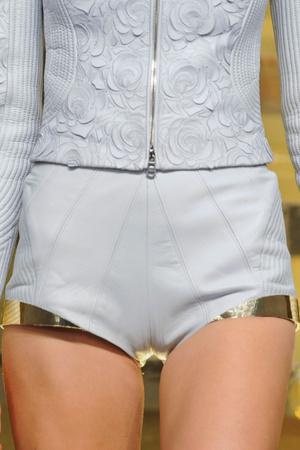 Показ Versace Haute Couture коллекции сезона Весна-лето 2012 года Haute couture - www.elle.ru - Подиум - фото 330311