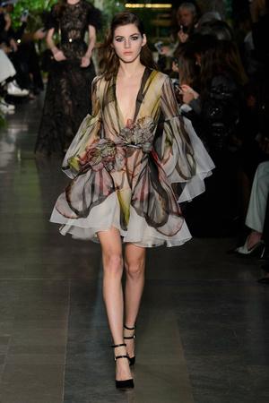 Показ Elie Saab коллекции сезона Весна-лето 2015 года haute couture - www.elle.ru - Подиум - фото 593074