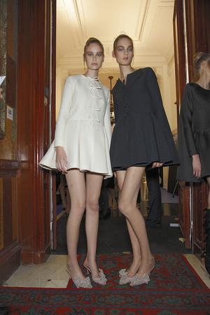 Показ Valentino коллекции сезона Осень-зима 2010-2011 года haute couture - www.elle.ru - Подиум - фото 168340