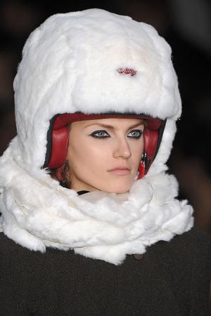 Показ Karl Lagerfeld коллекции сезона Осень-зима 2009-2010 года prêt-à-porter - www.elle.ru - Подиум - фото 99119