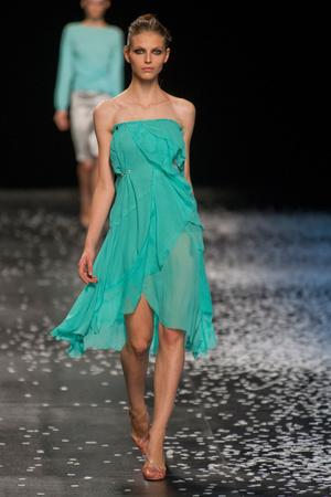 Показ Nina Ricci коллекции сезона Весна-лето 2013 года prêt-à-porter - www.elle.ru - Подиум - фото 452855
