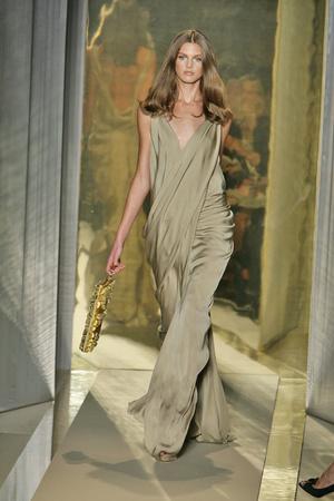 Показ Donna Karan коллекции сезона Весна-лето 2009 года Prêt-à-porter - www.elle.ru - Подиум - фото 78191