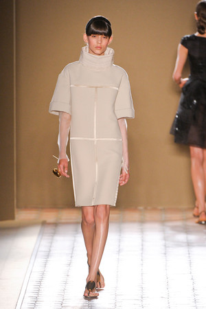 Показ Christophe Josse коллекции сезона Осень-зима 2012-2013 года Haute couture - www.elle.ru - Подиум - фото 403061
