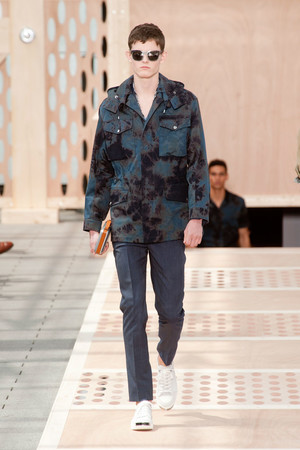 Показ Louis Vuitton коллекции сезона Весна-лето 2014 года Men prêt-à-porter - www.elle.ru - Подиум - фото 556979