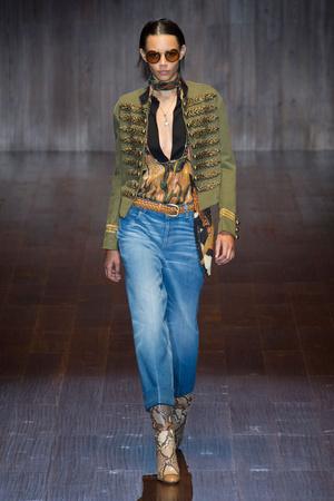 Показ Gucci коллекции сезона Весна-лето 2015 года prêt-à-porter - www.elle.ru - Подиум - фото 588726