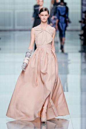 Показ Christian Dior коллекции сезона Осень-зима 2012-2013 года prêt-à-porter - www.elle.ru - Подиум - фото 376299