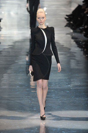 Показ Armani Prive коллекции сезона Весна-лето 2010 года Haute couture - www.elle.ru - Подиум - фото 138159