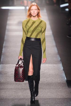 Показ Louis Vuitton коллекции сезона Весна-лето 2015 года Prêt-à-porter - www.elle.ru - Подиум - фото 592603