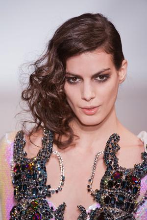 Показ On Aura Tout Vu коллекции сезона Весна-лето 2013 года Haute couture - www.elle.ru - Подиум - фото 480346
