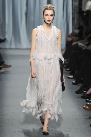 Показ  коллекции сезона Весна-лето 2011 года haute couture - www.elle.ru - Подиум - фото 215720