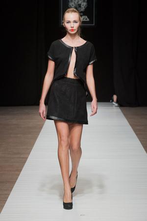 Показ Maison Anoufa коллекции сезона Весна-лето 2014 года Haute couture - www.elle.ru - Подиум - фото 574330
