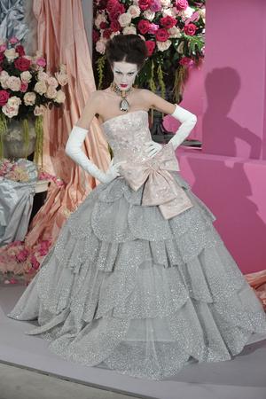 Показ Christian Dior коллекции сезона Весна-лето 2010 года Haute couture - www.elle.ru - Подиум - фото 138234