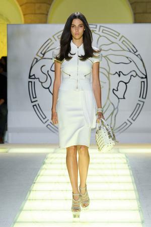 Показ Versace коллекции сезона Весна-лето 2012 года prêt-à-porter - www.elle.ru - Подиум - фото 303413