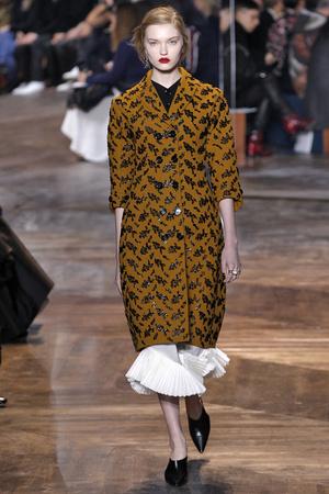Показ CHRISTIAN DIOR коллекции сезона Весна-лето  2016 года Haute couture - www.elle.ru - Подиум - фото 602665